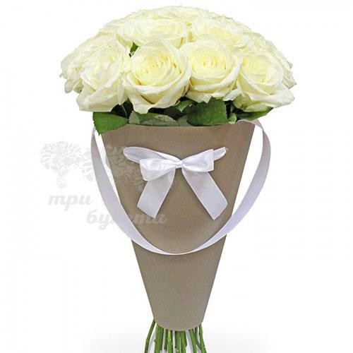 15 белых роз в конусе «Нью-Мексико»
