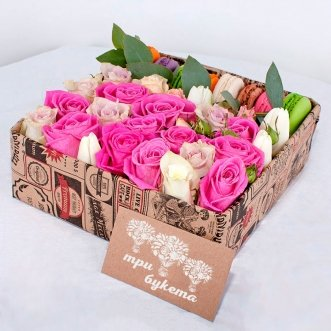 8 макарун с розами