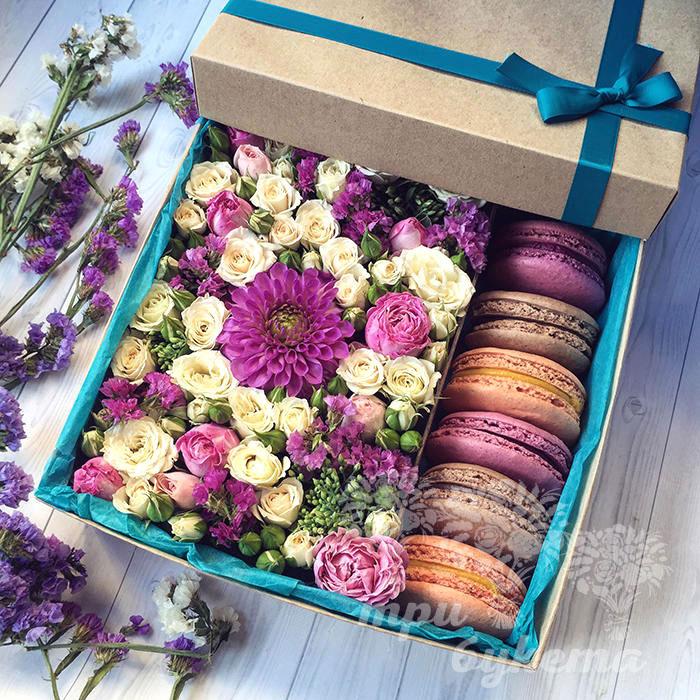 Подарок с макаронами и цветами 837